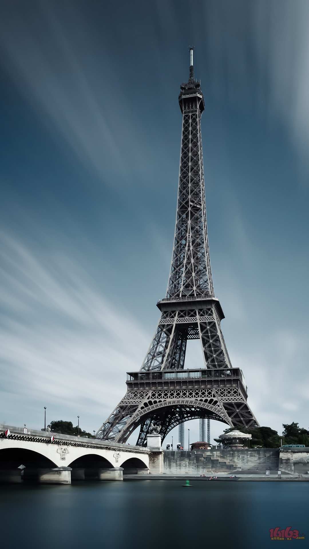 Picture_03_Eiffel.jpg