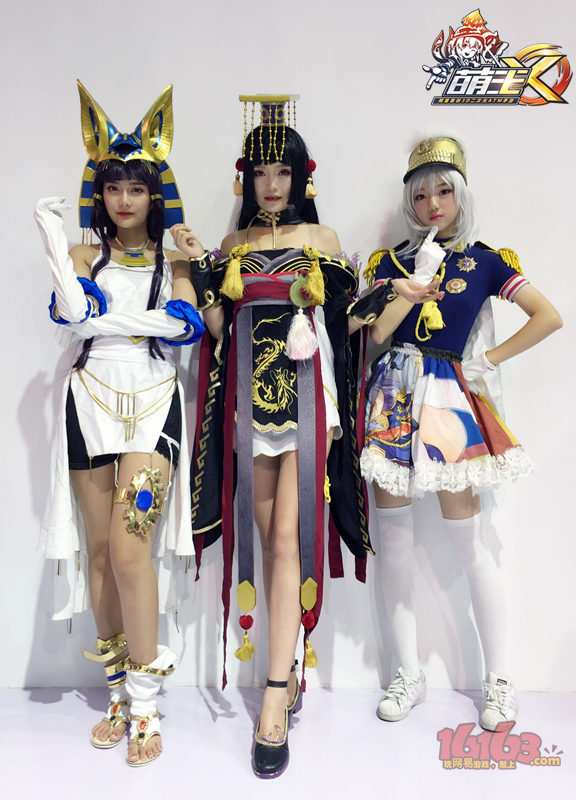 图4:少女皇帝的Coser们.jpg